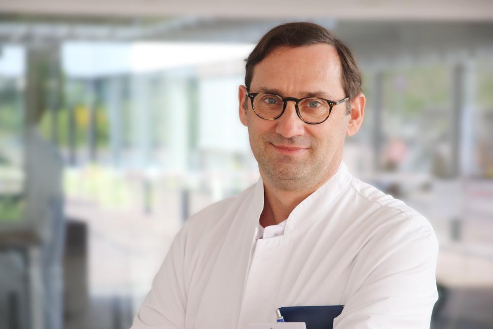Dr. Gernot Seebacher